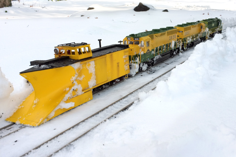 Snow Plough Car >> First-rate Model Train Plows Snow Like Its Big Brother! - Train Fanatics