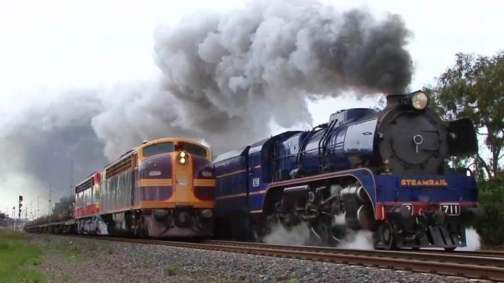 Rare Victorian Railways Side By Side! | Train Fanatics Videos