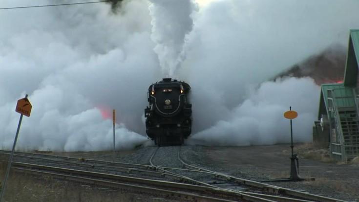 The CP 2816 Empress Bellows Huge Amounts Of Steam! | Train Fanatics Videos