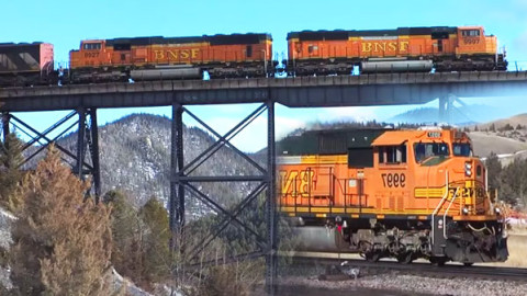 Climbing To The Continental Divide | Big Sky Country! | Train Fanatics Videos