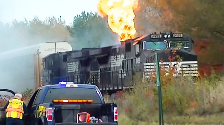 Engine Burning Oil >> Norfolk Southern Engine Bursts Into Flames! - Train Fanatics