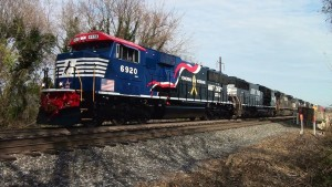 Military Veterans Honored By Norfolk Southern's Bold Paint Job!