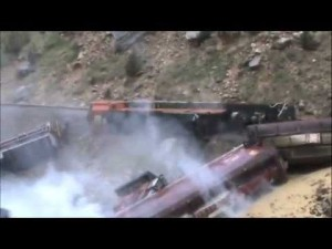30 Ton Boulder Derails BNSF Freight Train!