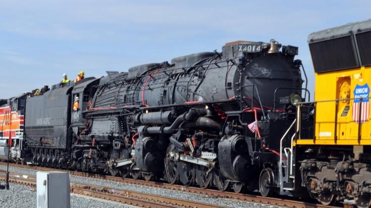 Moving Big Boy No. 4014 To Cheyenne Wyoming For Restoration! | Train Fanatics Videos