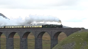 GWR Castle Class Locomotive Steams Northern England!
