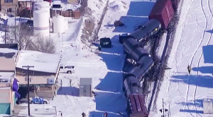 Missing Axle! BNSF Freight Derails In Colorado