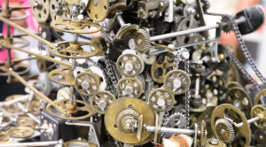 Machine Mimics Locomotive Gear Engineering