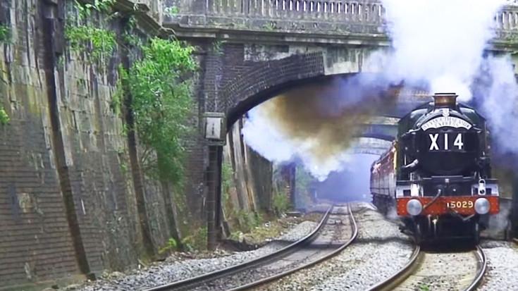 Royal Steamer 'Nunney Castle' Stuns Railfans! | Train Fanatics Videos