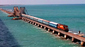 Passenger Train Precisely Navigates Pamban Bridge!