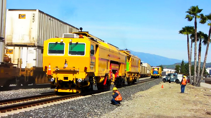 Up-close And Personal With A First-rate Tamper! | Train Fanatics Videos