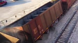Houston Coal Train Derails In Slow Motion!