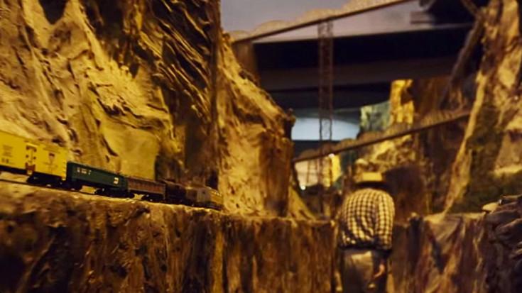 Guinness World Record  Largest Model Railroad: America's Northlandz!   Train Fanatics Videos