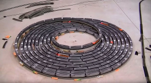 Endless H/O Scale Bi-Directional Spiral Train Set Will Blow You Away!