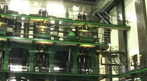 You've Got To See How The World's Largest Steam Engine Works!