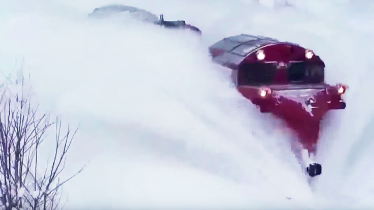 Snow Proves No Barrier For These Maintenance Of Way Train Crews! | Train Fanatics Videos