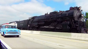 Santa Fe 3751 Begins Her Journey… On The Freeway?!