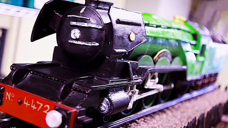 Master Chocolatier Creates 'Flying Scotsman' Replica You Have To See To Believe! | Train Fanatics Videos