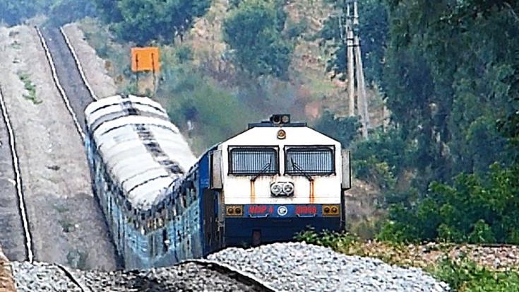 Monster Grades You Wont Believe These Trains Conquer! | Train Fanatics Videos