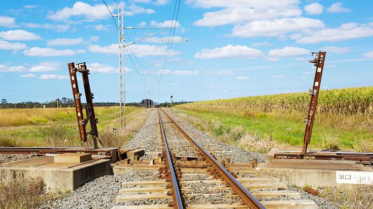 Queensland Rail Has Worlds Most Interesting Flat Crossings! | Train Fanatics Videos