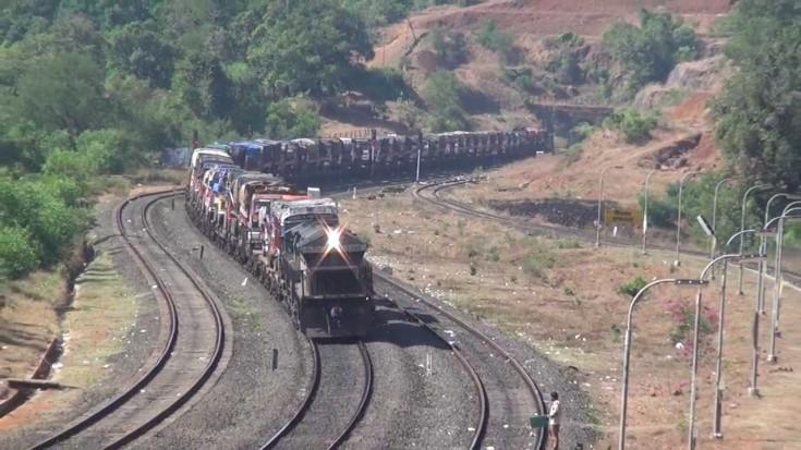 Konkan Railway Gives Truck Drivers A Birdseye View! | Train Fanatics Videos