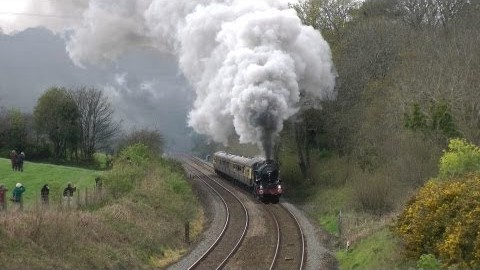 GWR 5043 Earl Of Mount Edgcumbe Gives A Dignified Display Of Steam! | Train Fanatics Videos