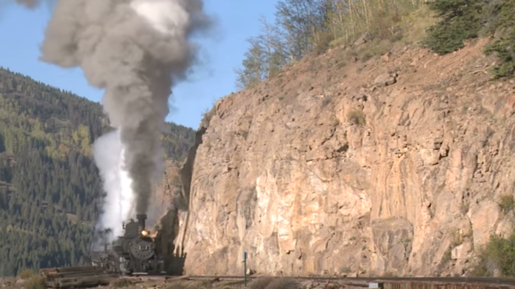 The Ole' Mudhen #463 Work'n Hard! | Train Fanatics Videos