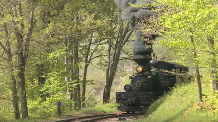 Classic Shay #5 Comin' Round The Bend! | Train Fanatics Videos