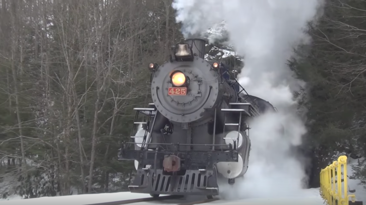 Reading And Northern's #425 In Winter!   Train Fanatics Videos