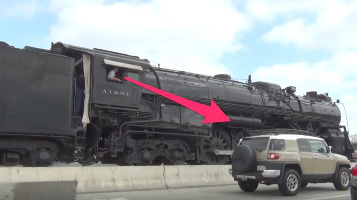 Pacing The Santa Fe #3751 On The Freeway! | Train Fanatics Videos