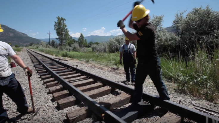 Sun Kinks Can Make Train Travel Dangerous! | Train Fanatics Videos