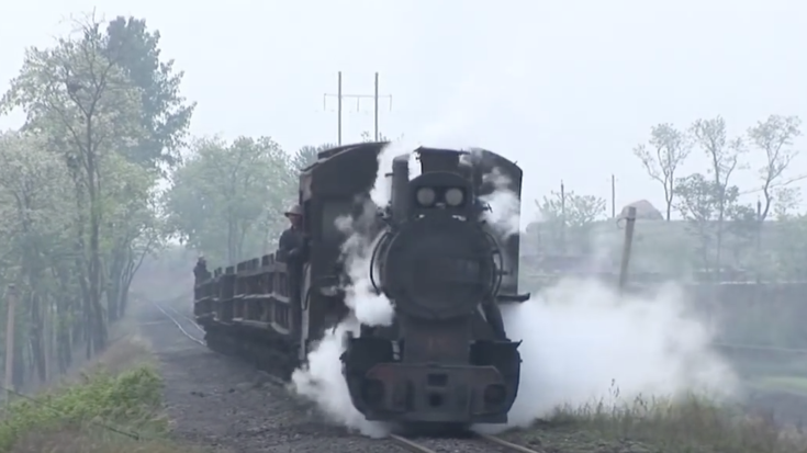 C2's On The Yinghao Coal Railway! | Train Fanatics Videos