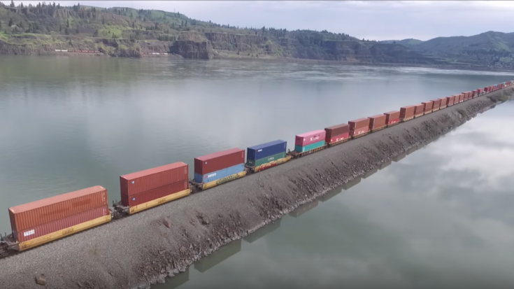 Double Freights In The Columbia River Gorge! | Train Fanatics Videos