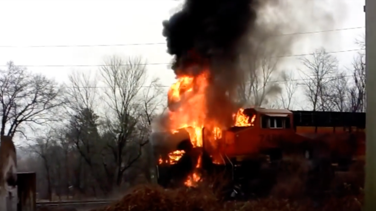 CSX Train Rams Into A Transport Truck | Train Fanatics Videos
