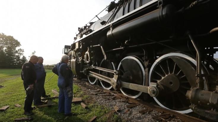 NKP #765 Drops Off The Rails! | Train Fanatics Videos