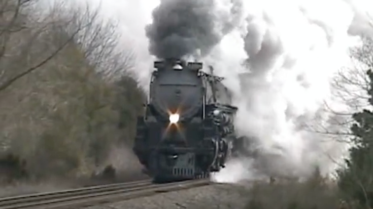 UP #3985 Highballing Back To Cheyenne! | Train Fanatics Videos
