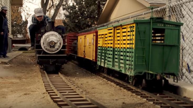 The Railroad Next Door ! | Train Fanatics Videos