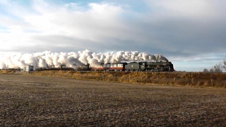 #41600 Royal Scot On Time To York! | Train Fanatics Videos