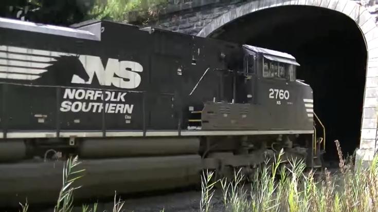 Norfolk Disappearing Act Into Gallitzin Tunnel | Train Fanatics Videos