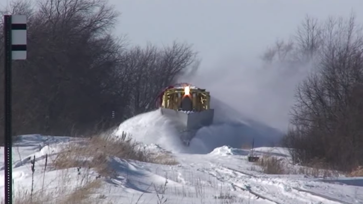 Thrill Ride Upfront On This Spreader! | Train Fanatics Videos