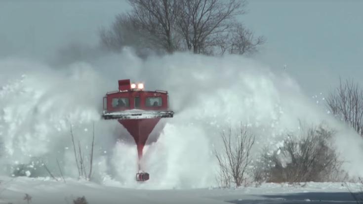 Ultimate Catch! FP9's Plowing Snow! | Train Fanatics Videos