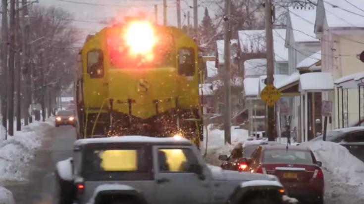Street Running! | Train Fanatics Videos