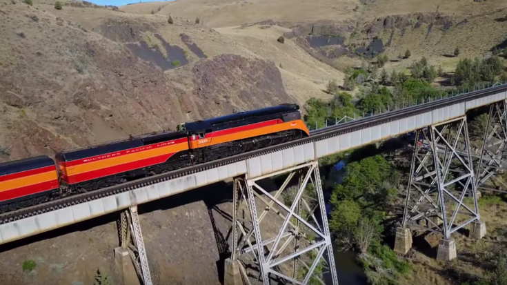 SP 4449 Pulls Cascades Daylight! | Train Fanatics Videos