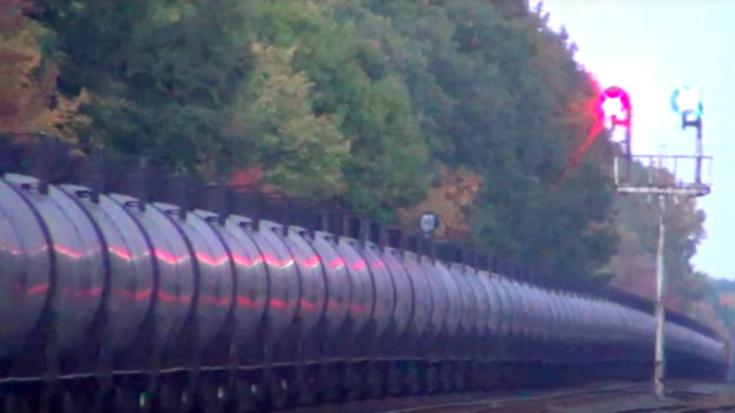 CSX Oil Cans All In A Row! | Train Fanatics Videos