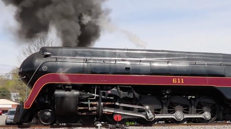 J 611 Wheel Slippin' | Train Fanatics Videos