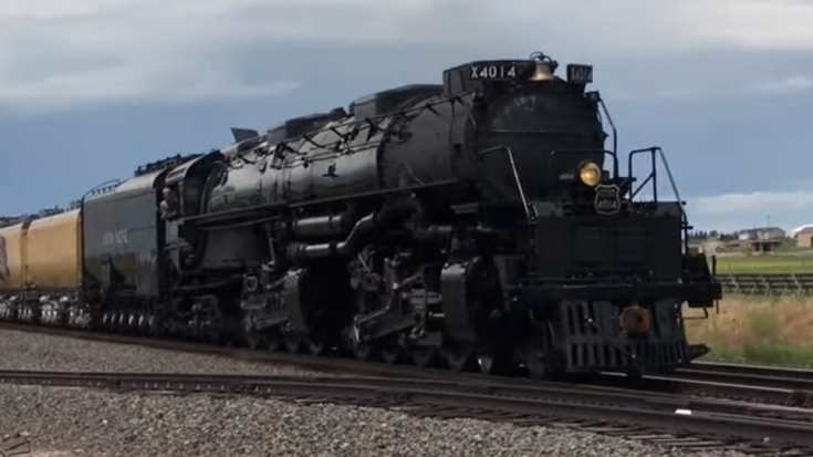Big Boy Actually Hauling Freight?! | Train Fanatics Videos
