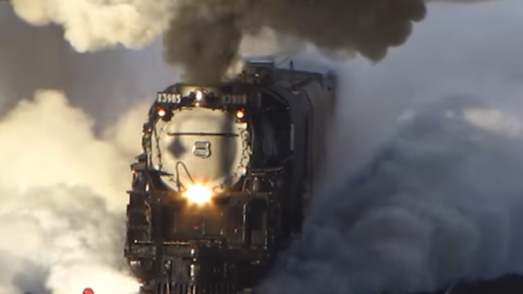 UP Challenger 3985 Blows Her Steam! | Train Fanatics Videos
