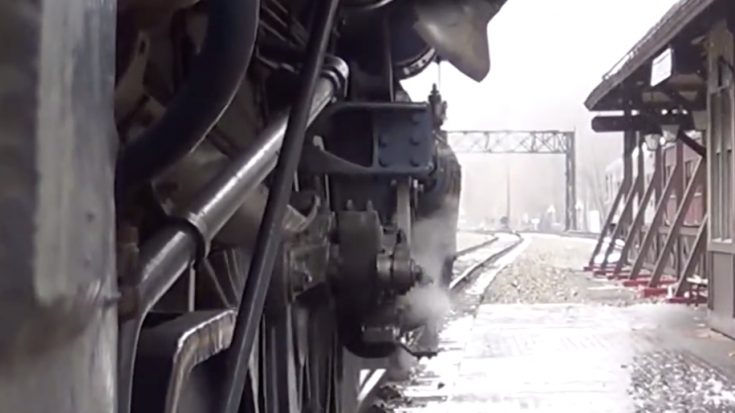 R&N 425 Driver Side View! | Train Fanatics Videos