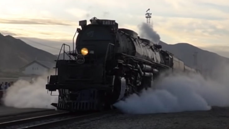 Big Boy #4014 Heading Out | Train Fanatics Videos