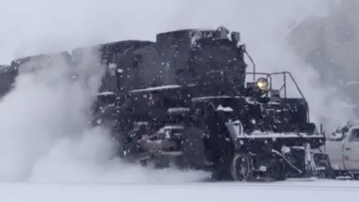A Slow Cold Start For Big Boy #4014 | Train Fanatics Videos