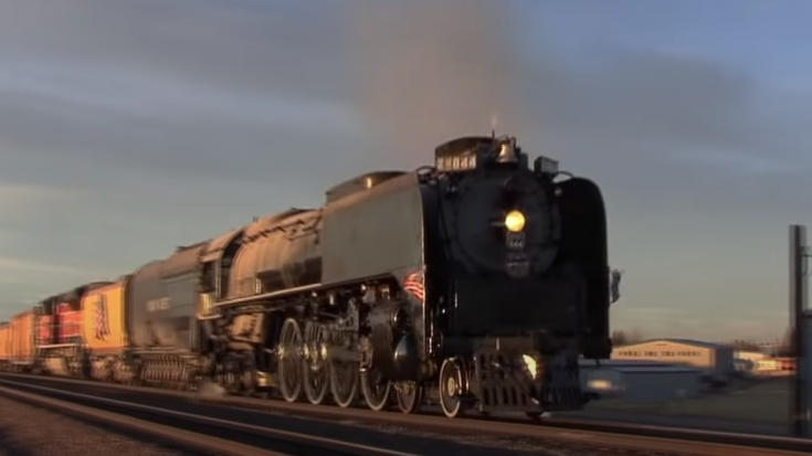 Union Pacific #844 Sunset Run To Cheyenne | Train Fanatics Videos